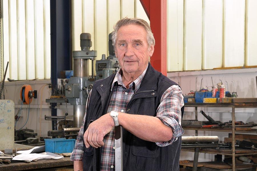 Meister Frank Wild bei Fröhle Bau- & Kunstschlosserei